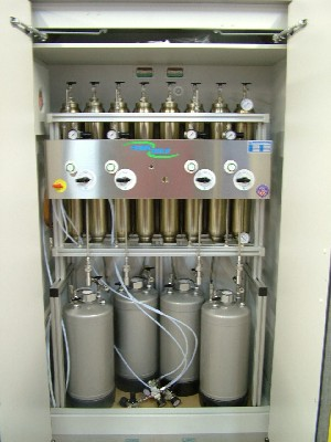 Solvent purification system for 3 solvents. Fire safety cabinet sold seperately. system according norm EN-14470-1