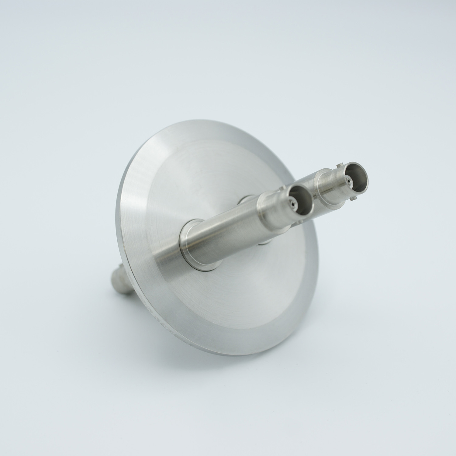2 of grounded shield, double ended BNC feedthrough 500V 3 Amp, air side connector included, DN40KF flange