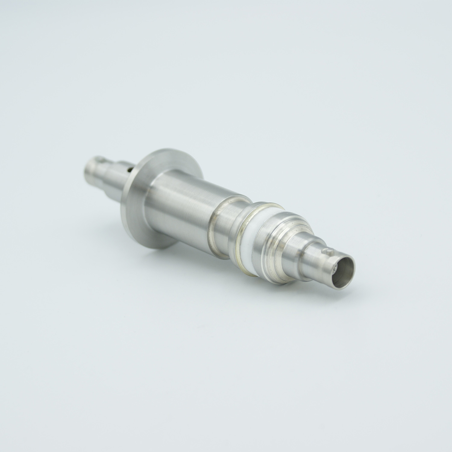 Floating shield double ended BNC feedthrough, DN16KF without air side connector