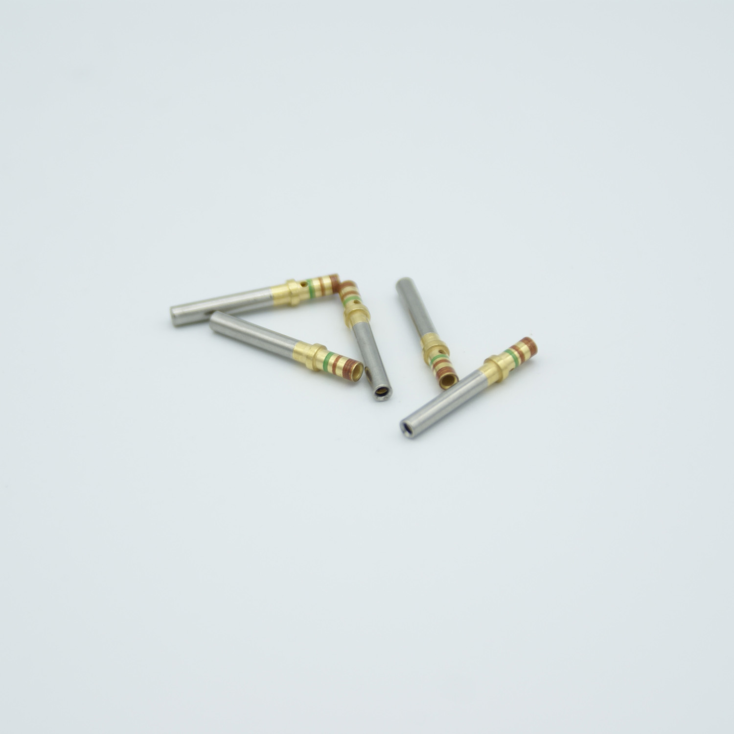 Power crimp type connector for pin size .040