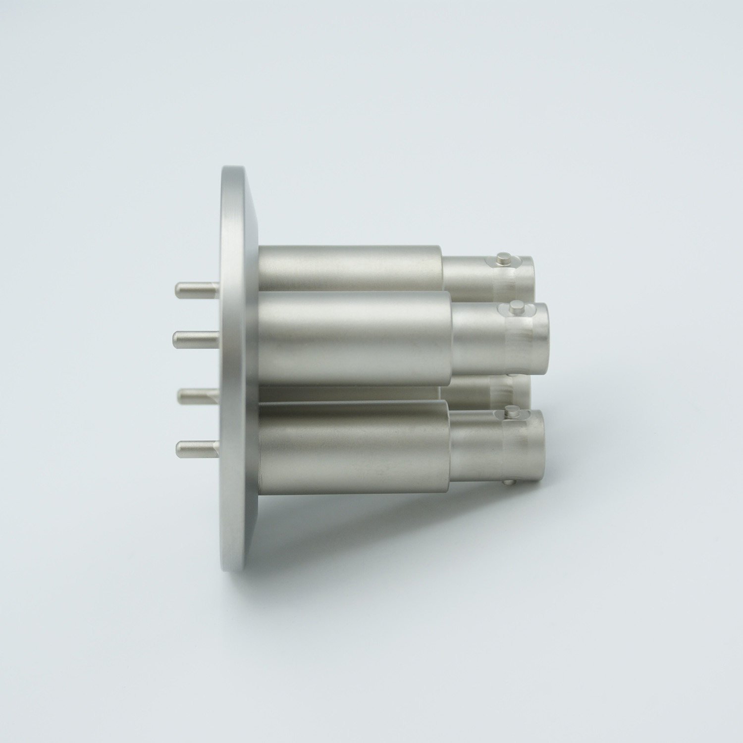 4 of grounded shield, single ended BNC feedthrough 500V / 3 Amp, air side connector included DN40KF flange
